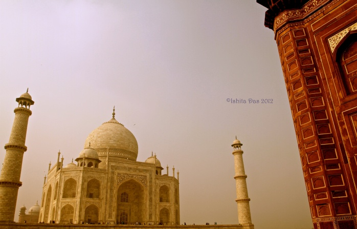 Supporting the Taj