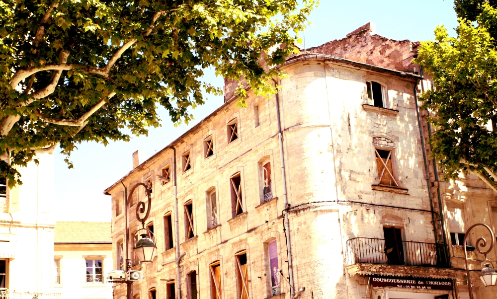 Picture windows on building- Avignon