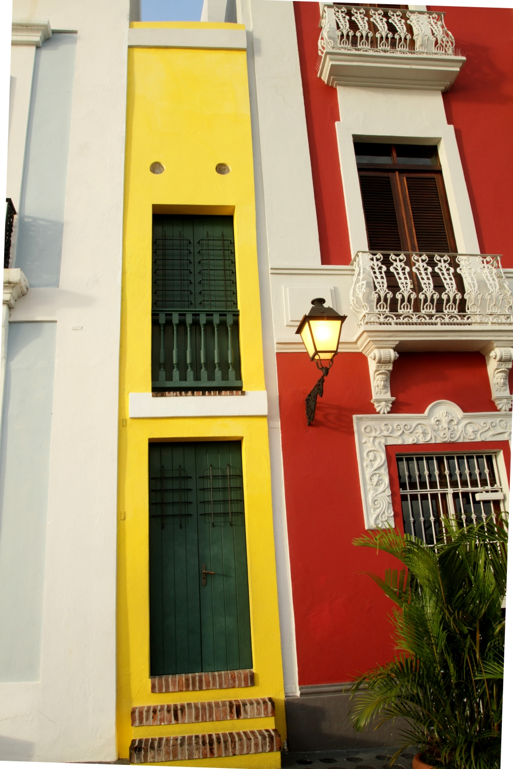 narrowest-building-old-san-juan