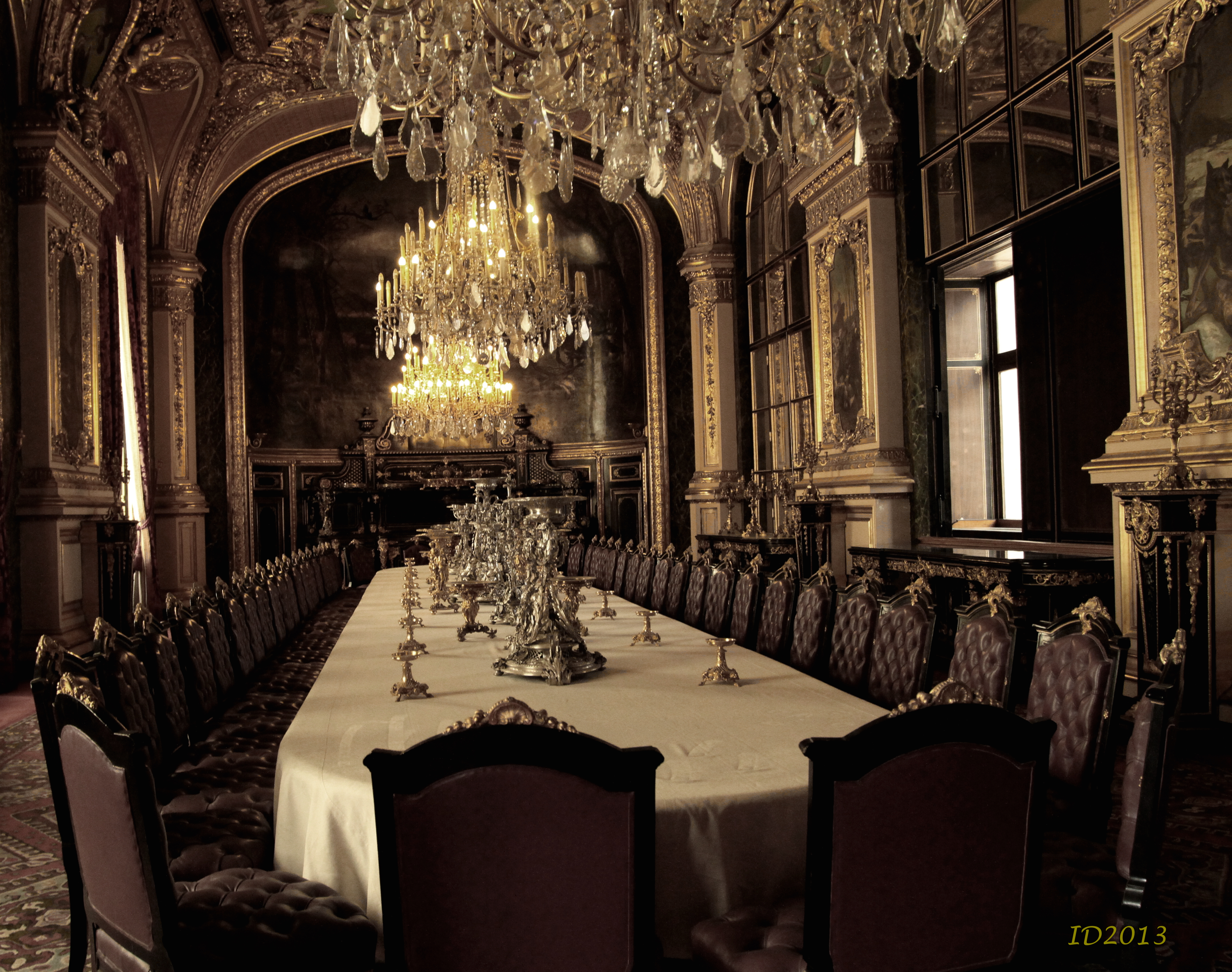 Beau Chandelier Lights Napoleonu0027s Dining Room Louvre Wm Royal ...